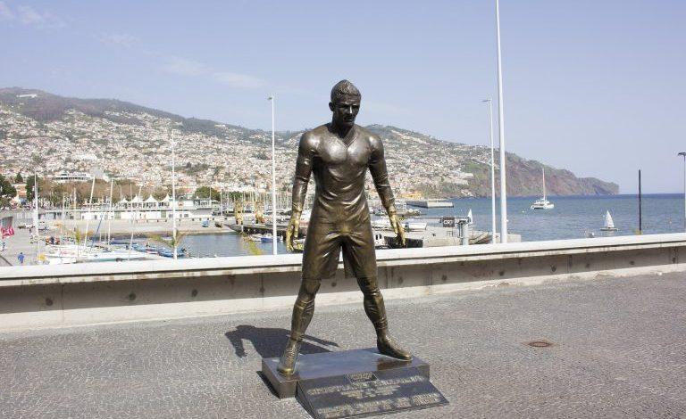 Le statue e i monumenti più famosi dedicati ai calciatori